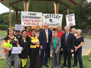 In Lismore to announce Labor will repeal the Baird Government's undemocratic anti-protest laws -with NSW Labor leader Luke Foley, Justine Elliott MP and Labor's Janelle Saffin.