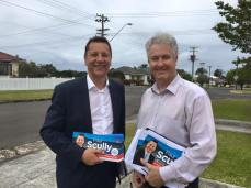Doorknocking in the Wollongong electorate with Labor MP Paul Scully.