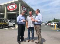 Adam in Tweed with Country Labor's Craig Elliot, talking with local residents and small business operators who have been hit with massive increases in electricity costs over the past few years.