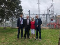 Adam Searle in Newcastle with Tim Crakanthorp MP and local Vinnies members, talking about rising electricity costs under the NSW Liberal National Government.