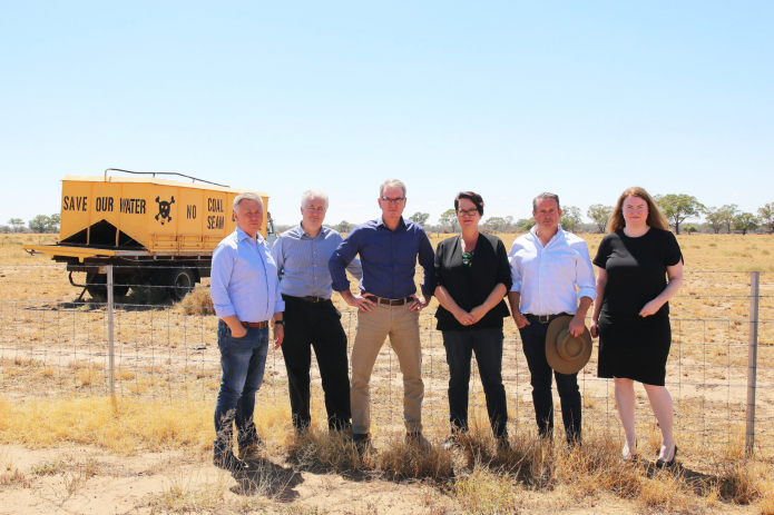 Daley Labor team meeting with farmers and townspeople in Coonamble to discuss their concerns with the proposed Narrabri CSG project