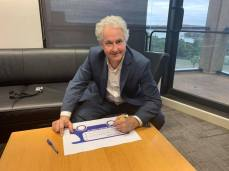 Signing a 2020 petition to keep our bus services in public hands. We know privatisation doesn't work. It means less services at higher prices and worse outcomes for workers as well as passengers.