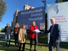 Meeting with the 'Save Murwillumbah Hospital' community group with Janelle Saffin MP to oppose cuts to health services in the local community.